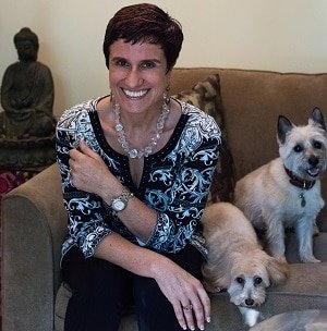 owner Shirly Gilad of Integrative Hypnotherapy Boca Raton offering comprehensive hypnosis packages for our local and online clients.